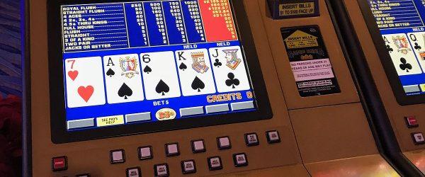 Reviewing Texas Hold'em Informs - 10 Cara untuk Meninjau Lawan serta Menghasilkan Lebih Banyak Uang