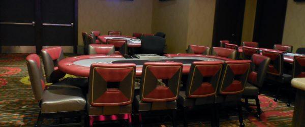 Ingin Bermain Texas Hold'em Online?